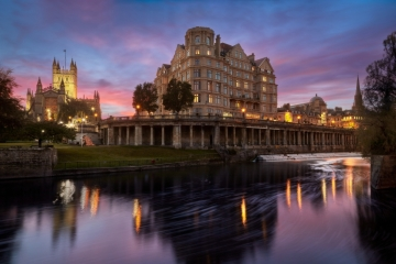 The Empire Hotel and Bath Abbey seen across the River Avon at dusk.     Size 6707 x 4471, 18.3MB